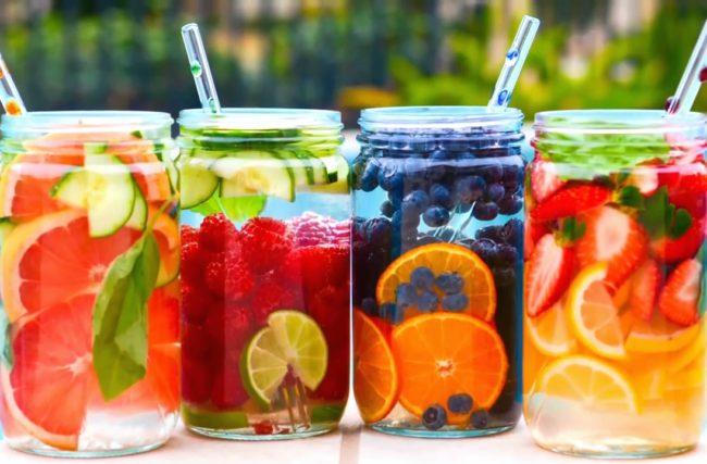 Água Aromatizada: 3 receitas detox pra ajudar na sua dieta