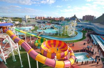 Conheça 5 boas opções de hotéis com parque aquático para se divertir no verão